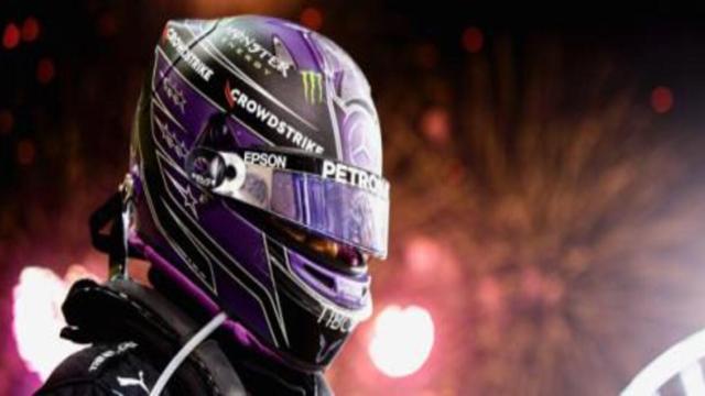 Formula 1, GP del Bahrain: Hamilton trionfa, Verstappen chiude secondo
