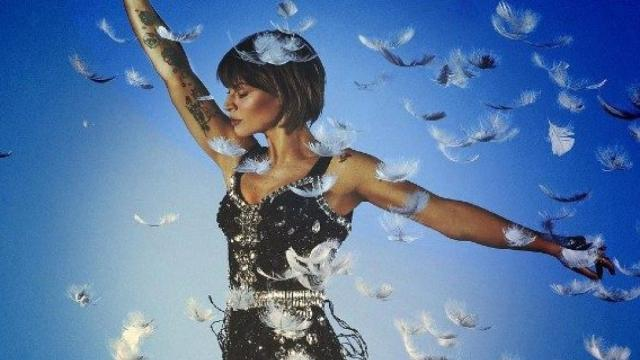 Alessandra Amoroso e i suoi nuovi singoli, lei: 'Sono due pezzi di vita'