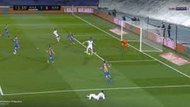 Clasico : Benzema retourne internet avec sa Madjer