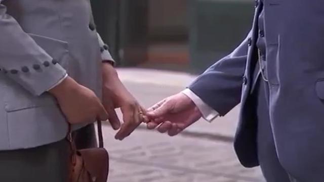 Una Vita, trame dal 19 al 25 aprile: Marcia bacia l'avvocato