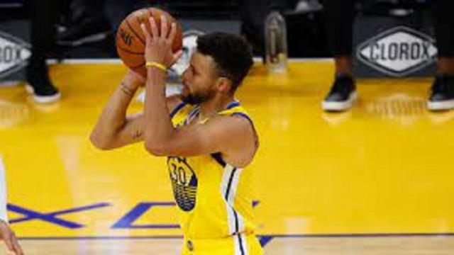Golden State : Stephen Curry a dépassé la légende Wilt Chamberlain au nombre de points
