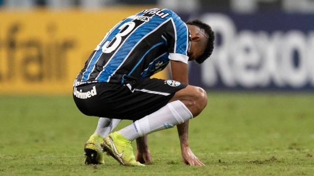Diretoria do Grêmio diz que queda na Libertadores não impactará na chegada de reforços