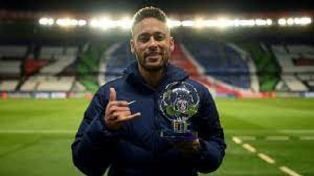 Neymar aimerait passer pro au poker après sa carrière de footballeur