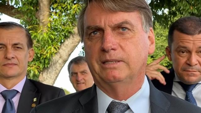 Presidente Jair Bolsonaro afirma que o país 'está no limite'