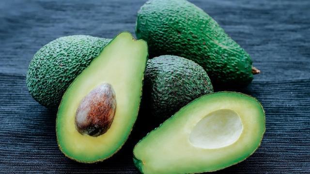 5 benefícios do abacate para a saúde
