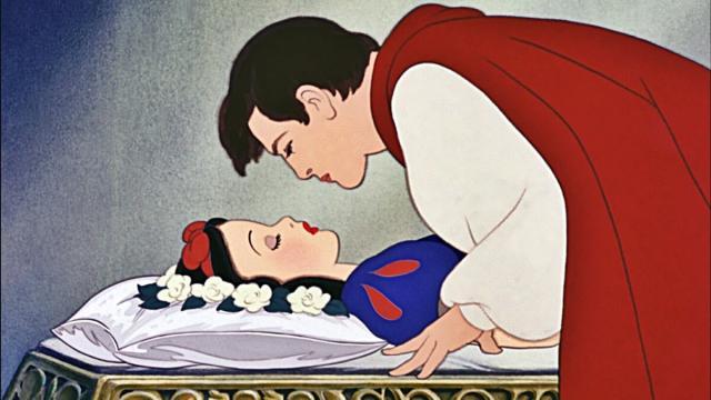 USA, Biancaneve: Il Principe che bacia la fanciulla non è un'immagine educativa