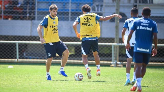 Grêmio estuda substitutos para Matheus Henrique