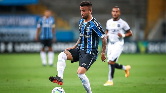 Grêmio inicia 'vestibular' para novos volantes na equipe