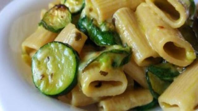 Pasta con Zucchine: un piatto saporito, ideale in estate