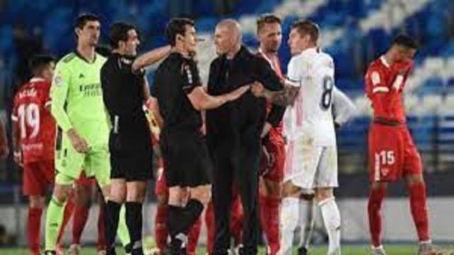 Real Madrid - FC Séville : Ça a chauffé entre Zidane et l'arbitre