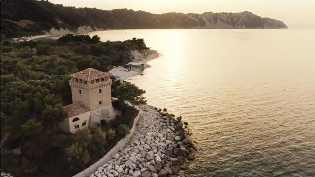 Marche: tra le località con bandiera blu Senigallia e Sirolo