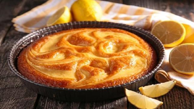 Torta al limone morbida e alta: ricetta tradizionale