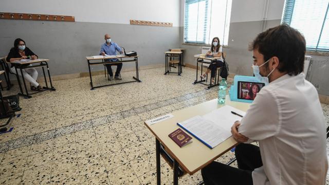 Maturità al via, il ministro Bianchi agli studenti: 'Non verrete bollati per il covid'
