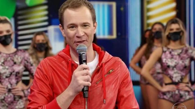 Famosos celebram Tiago Leifert como apresentador do 'Domingão'
