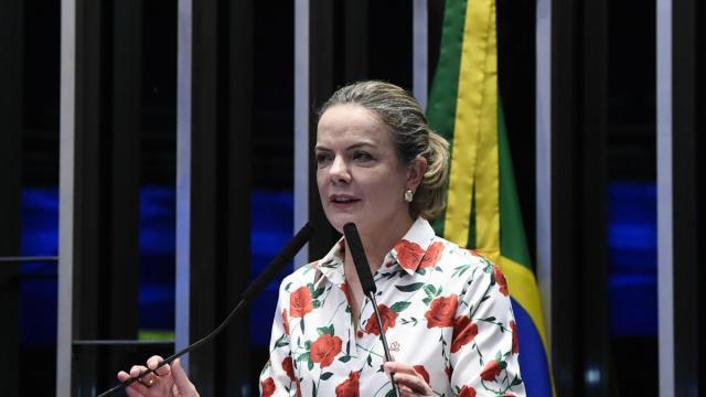 Gleisi Hoffmann convoca população para protestos contra Bolsonaro