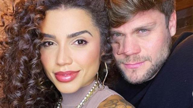 Famosos parabenizam os ex-BBBs Paula Amorim e Breno Simões por noivado