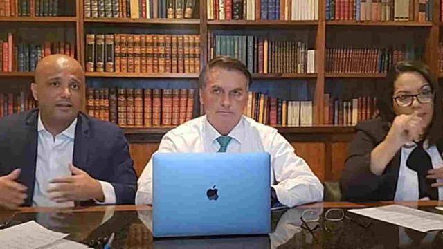 Em live, Bolsonaro diz que imunidade de rebanho é mais eficaz que a vacina contra Covid