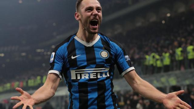 Calciomercato Inter, il Tottenham potrebbe dare l'assalto a De Vrij