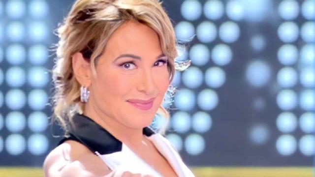 Barbara D'Urso, Mediaset riduce Pomeriggio 5: messa in onda a partire dalle 18
