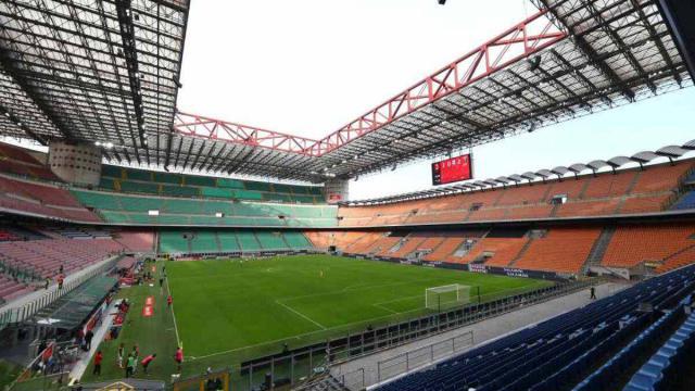 Covid, Serie A: la capienza degli stadi sarà dimezzata