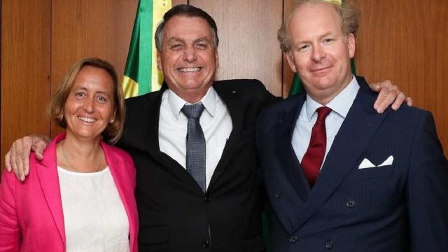 Neta de ministro de Adolf Hitler se encontra com Bolsonaro