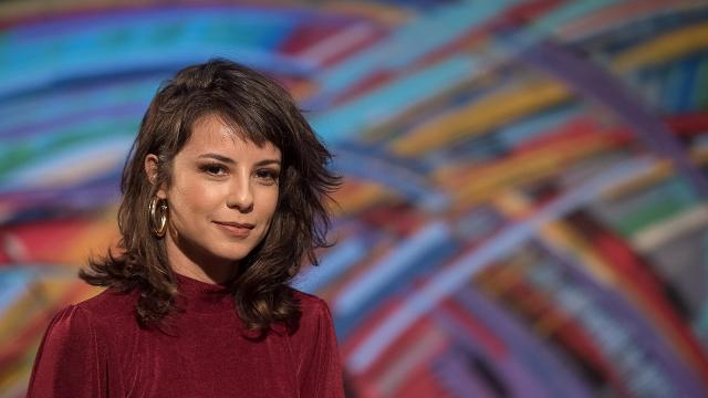 Andreia Horta completa 38 anos e famosos parabenizam a atriz