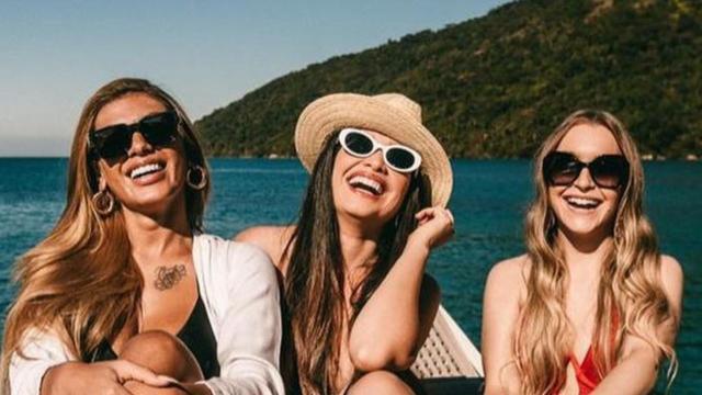 Celebridades comentam em fotos do encontro entre Juliette, Pocah e Carla Diaz, do 'BBB21'