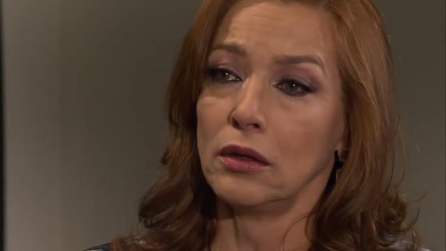 'Amores Verdadeiros': Paula descobre que está com câncer