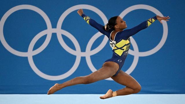 Rebeca Andrade conquista ouro e prata nas Olimpíadas, e famosos rasgam elogios