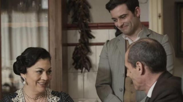 Spoiler Una Vita: Bellita compra a Julio il vestito per fare da testimone a Emilio