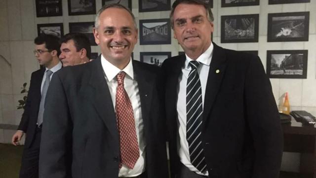 Coronel da PM é afastado após convidar 'amigos' para ato a favor do governo Bolsonaro