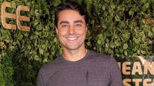 Ricardo Pereira faz aniversário e é parabenizado por colegas