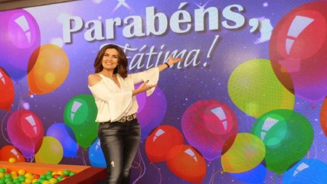Fátima Bernardes comemora mais uma primavera e recebe homenagens