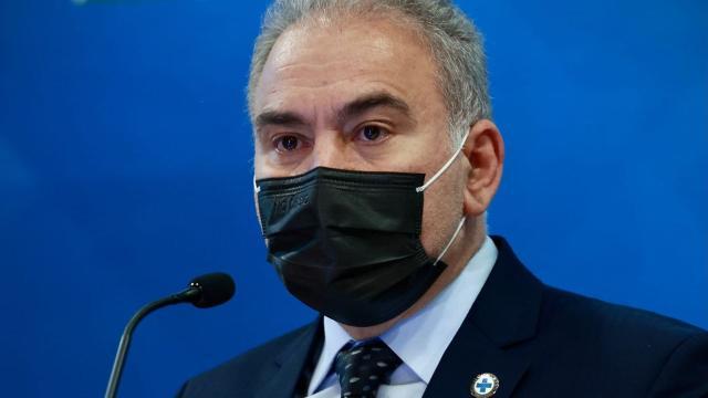 Jornalistas ironizam Marcelo Queiroga após o ministro contrair Covid-19