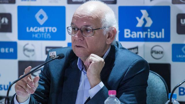 Grêmio prepara listas de dispensa com uma dezena de nomes