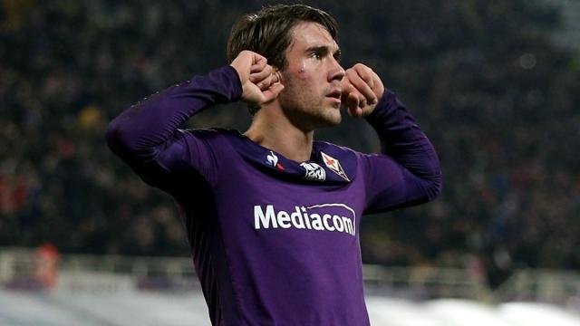Vlahovic: parole al miele per la Fiorentina, ma il rinnovo ancora non arriva