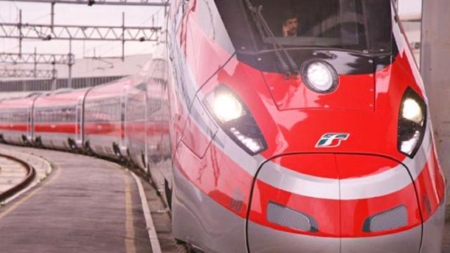 Ferrovie dello Stato cerca personale diplomato e laureato, scadenza a ottobre