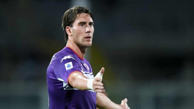 Fiorentina: Vlahovic separato in casa, ma è difficile che vada via a gennaio