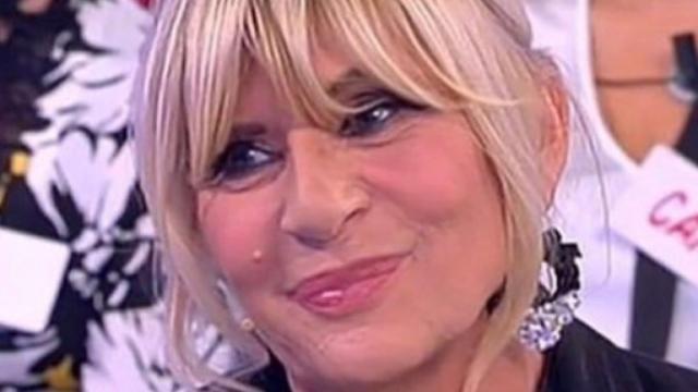 U&D, Tina criticata per il gavettone alla dama torinese