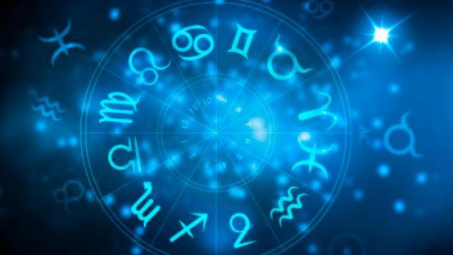 Previsioni astrali 25/10: Vergine nervoso sul lavoro