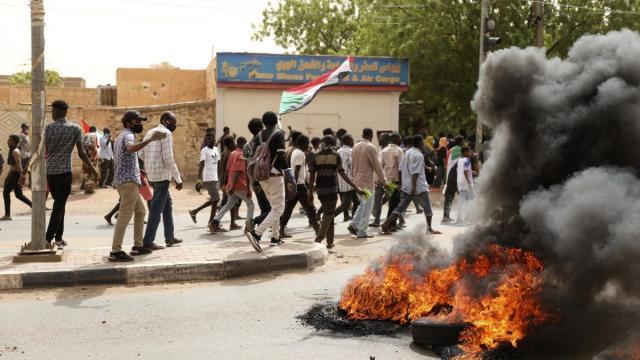 Golpe militare in Sudan, il premier Hamdok agli arresti domiciliari