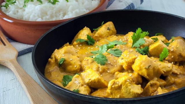 Ricetta, pollo al curry: un piatto tipica della tradizione indiana