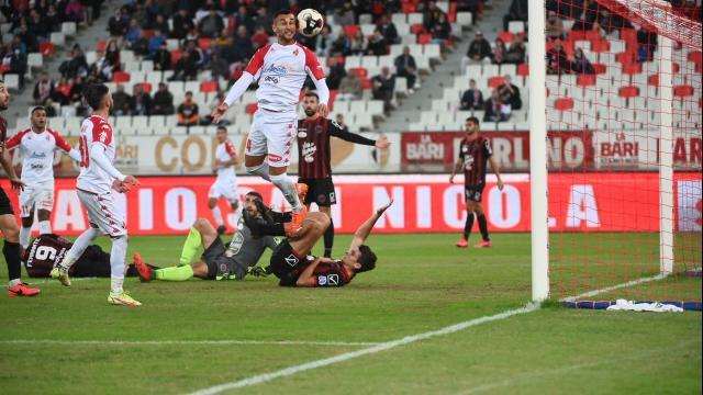 I tifosi del Bari sono al primo posto per affluenza allo stadio